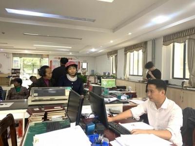 七琴镇便民服务中心开展机关事业单位领取遗属补助待遇年审工作