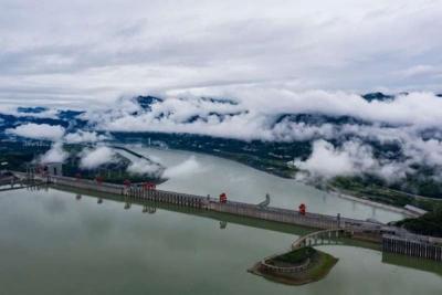 长江干流四座梯级电站82台机组今年首次全开运行