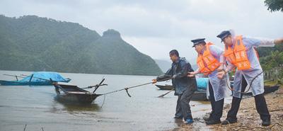 台风连续影响东北地区,各地各部门积极防御—— 压实责任 全力应对
