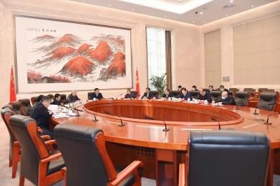 刘奇书记主持省委常委班子民主生活会集中学习研讨,围绕讲政治强调了这些