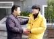县委副书记倪美创走访慰问离退休老干部、困难户、现役军人家属以及困难大学生