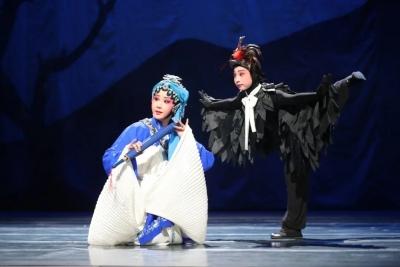 广昌孟戏《姜女送衣》亮相昆山百戏盛典舞台,获得全场观众喝彩!
