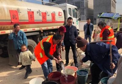 【暖新闻 2019】盘谷镇抗旱队送水入户解民忧
