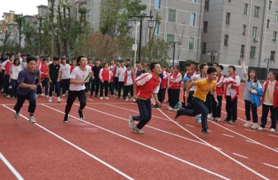 吉水二中举行高三趣味运动会
