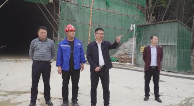 县委副书记、县长段恩雄调研指导105国道东改项目