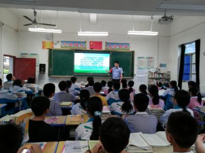 """吉水三中积极推进""""新型警力护校园行动""""宣传"""