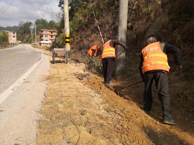 【乡镇动态】良村镇切实做好农村公路管理工作