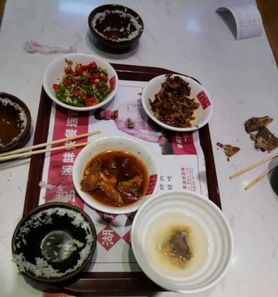浪费现象仍然存在!来看记者暗访宜春中心城区餐饮店...