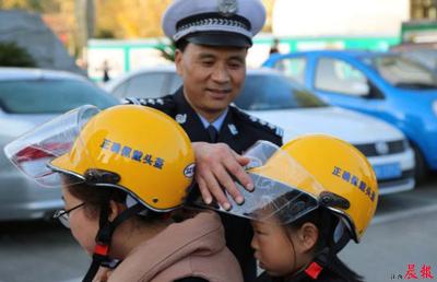 """江西交通秩序""""测评榜"""":南昌电动车头盔佩戴率全省垫底"""